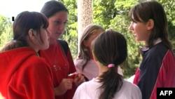 Maqedoni, libri shkollor nxit debate