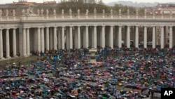 Cincirindon masu ibadar Ista a Rome
