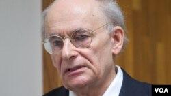 加拿大人权律师大卫·麦塔斯