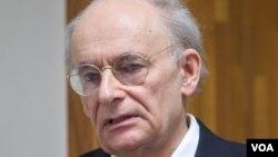 加拿大人权律师大卫·麦塔斯 (David Matas)