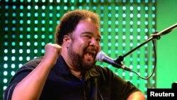 Pianis George Duke dalam salah satu penampilan di festival jazz Montreux, 2006. (Foto: Dok)