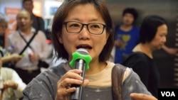 香港「鳩嗚團」成員錢小姐 (美國之音湯惠芸拍攝)