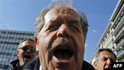 Протестующие в Афинах