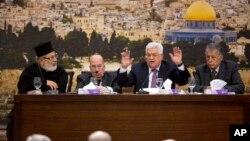 Махмуд Аббас (в центре) выступает во время встречи с Центральным советом Палестины. Рамаллах,14 января 2018