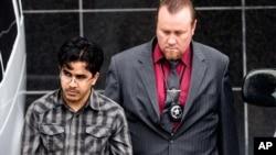 奥马尔·法拉贾·赛义德·哈尔丹被带往休斯顿的一家联邦法庭。(2016年1月8日)