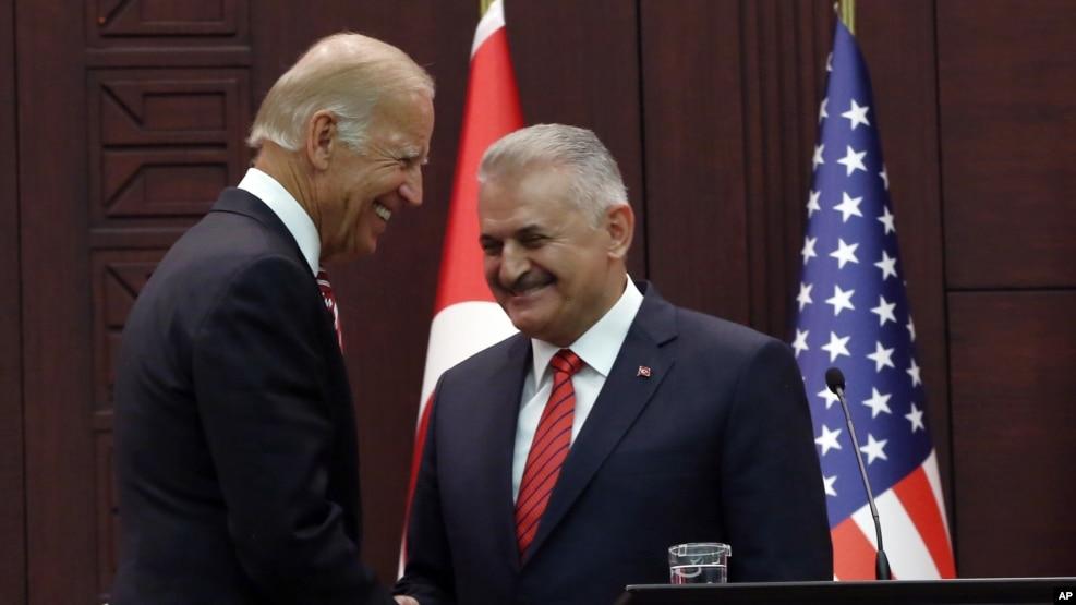 Nënpresidenti Biden konfirmon mbështetjen e SHBA-së për Turqinë