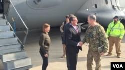 El secretario de Defensa de EE.UU., Ashton Carter, viajó a Jalalabad, provincia de Nangarhar, donde están destacados cientos de soldados estadounidenses.