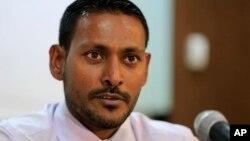 Luật sư của Phó Tổng thống Ahmed Adeeb, ông Hussain Shameem, phát biểu tại một cuộc họp báo ở Male, Maldives, ngày 24/10/2015. (Ảnh tư liệu)
