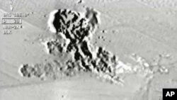 Foto video dari kokpit pesawat tempur Turki saat melakukan serangan udara atas sasaran ISIS di Suriah utara bulan Juli lalu (foto: dok).
