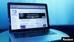 維基百科的主網頁介面 (路透社照片)