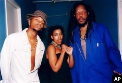 Another very popular South African kwaito group, Bongo Maffin, with lead singer Thandiswa Mazwai in the middle