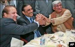 پاکستان کی پیچیدہ سیاسی صورتحال ، عوامی تحریک کا امکان