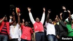 Uhuru Kenyatta na William Ruto wakiwa katika kampeni