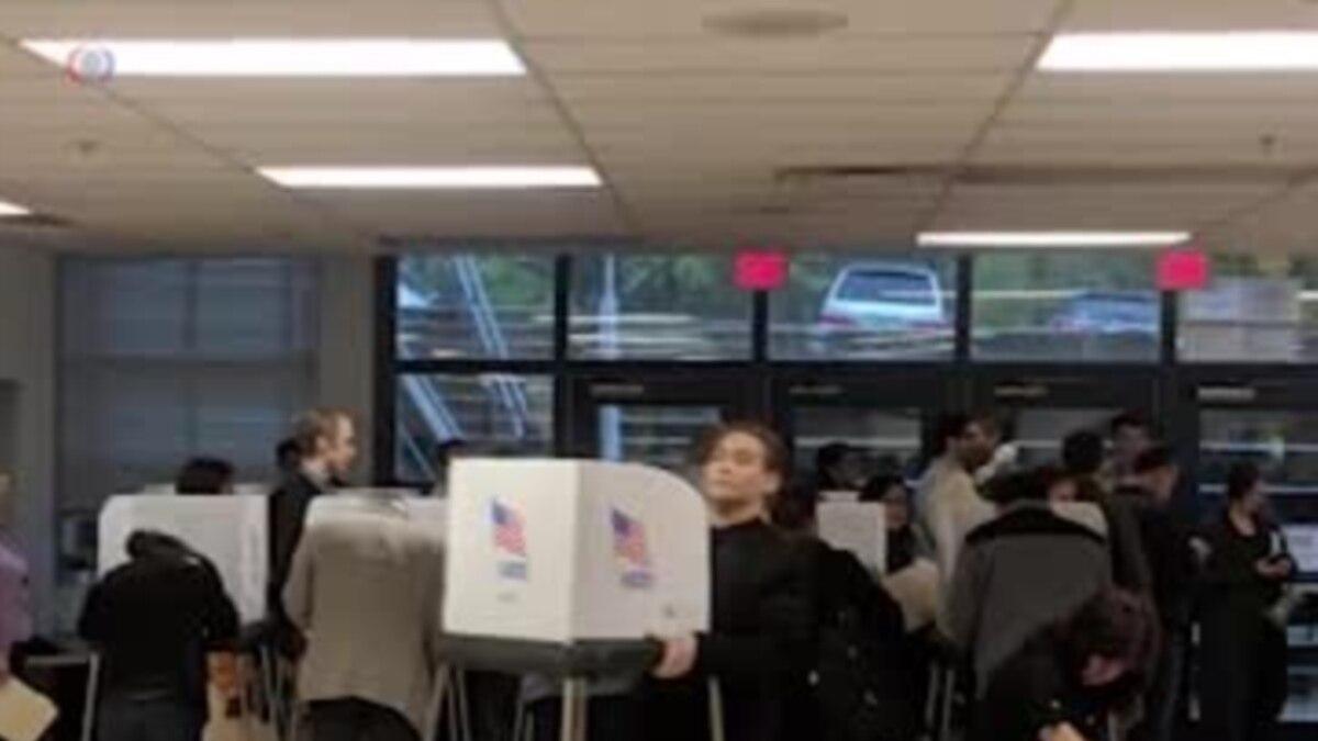 В США сегодня проходят промежуточные выборы