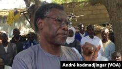 Mahamat Nour Ibedou, secrétaire général de la CTDDH, une ONG nationale des droits de l'homme N'Djamena, le 28 janvier 2019. (VOA/André kodmadjingar)