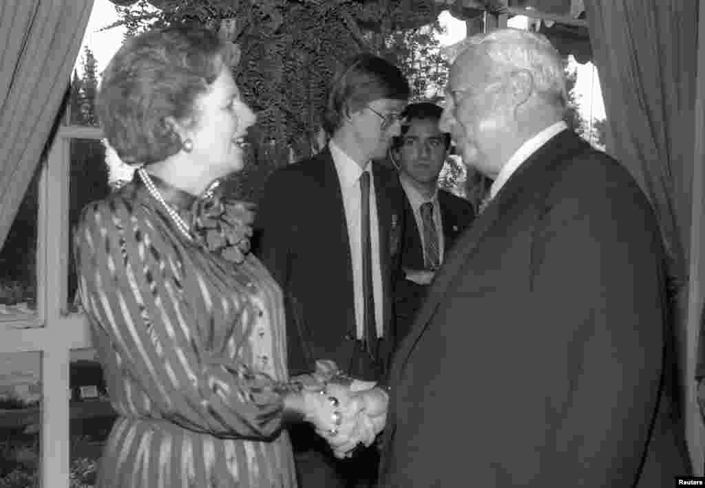 Savdo va sanoat vaziri Ariel Sharon Britaniya rahbari Margaret Tetcher bilan,1986