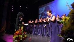 지난 10일 미국 메릴랜드 주에 위치한 유대인커뮤니티센터에서 위안부 피해자들을 위한 '나비' 음악회가 열렸다. 메트로폴리탄여성합창단이 공연하고 있다.