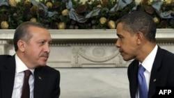 Başbakan Erdoğan'ın bugünkü temaslarının en önemli bölümünü Başkan Barack Obama'yla yapacağı görüşme oluşturacak
