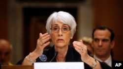 Wakil Menteri Luar Negeri Amerika Wendy Sherman menyerukan penundaan sanksi terhadap Iran (foto: dok).