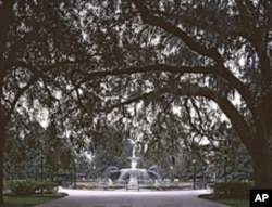 Forsyth Square is one of Savannah's many promenading grounds. Most of them date to the American Revolution of the 1700s.
