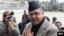 Ông Jhalanath Khanal thuộc đảng Mac-xit Lê-nin nít Thống nhất, có liên minh với phe Mao-it