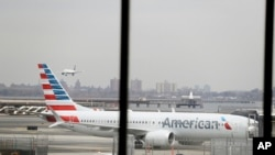Boing 737 Max kompanije Amerikan Erlajnz na aerodromu Lagvardija u Njujorku (arhivski snimak).