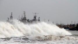 India përgatitet për një ciklon masiv