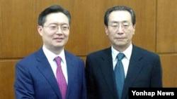 한국과 중국의 6자회담 수석대표인 황준국 한국 외교부 한반도평화교섭본부장(왼쪽)과 우다웨이 중국 외교부 한반도사무특별대표가 6일 베이징에서 회담했다.