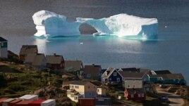 Các nhà khoa học khí hậu e rằng khối băng Greeland bị tan chảy có thể tạo ra những vấn đề vô cùng nghiêm trọng cho các khu vực khác