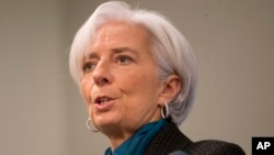 Kepala Dana Moneter Internasional (IMF) Christine Lagarde berbicara di Washington, Kamis (15/1).