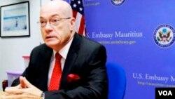美国国务院负责非洲事务的副助理国务卿杰克逊