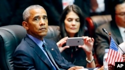 Tổng thống Obama tham gia Hội nghị Thượng đỉnh Đông Á tại Trung tâm Hội nghị Quốc gia ở Vientiane, Lào, 8/9/2016.