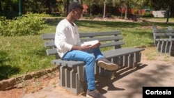 Lavimó da Verónica, poeta e estudante universitário