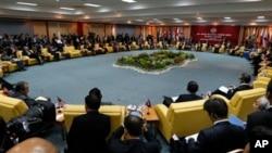 各国外长在文莱出席第20届东盟地区论坛会议。(2013年7月2日)
