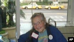 95岁的时候还继续弹奏的费丝·佩特里奇