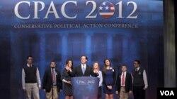 Mantan Senator Rick Santorum saat berbicara dalam acara tahunan Konferensi Aksi Politik Konservatif (CPAC) di Washington (10/2).