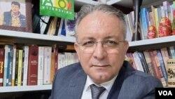 Dr. Serbest Nebî, Şirovekar Û Pisporê Pirsên Rojhilata Navîn