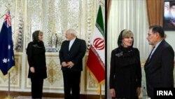 وزیر خارجه استرالیا پیش از توافق هسته ای، در سفر به تهران با مقامات ایران گفت و گو کرد.