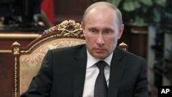 普京主持会议讨论洪水问题。