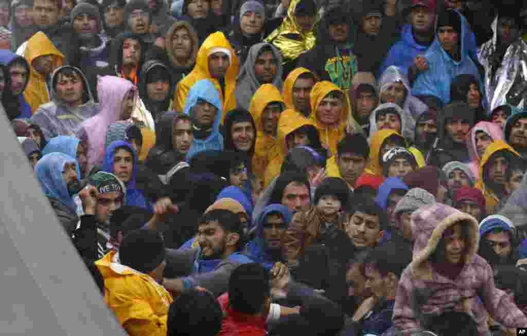 اقوام متحدہ نے یورپ میں تارکین وطن اور پناہ گزینوں کی صورتحال کو عالمی یکجہتی کا بحران قرار دیا ہے۔