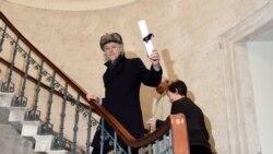 """ေဒၚစု ကုိကန္႔ကြက္သူ Irish အဆုိေက်ာ္ Bob Geldof """"Freedom of the City of Dublin"""" ဆုျပန္အပ္"""