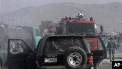 در انفجاری در مسجد والی قندوز کشته شد