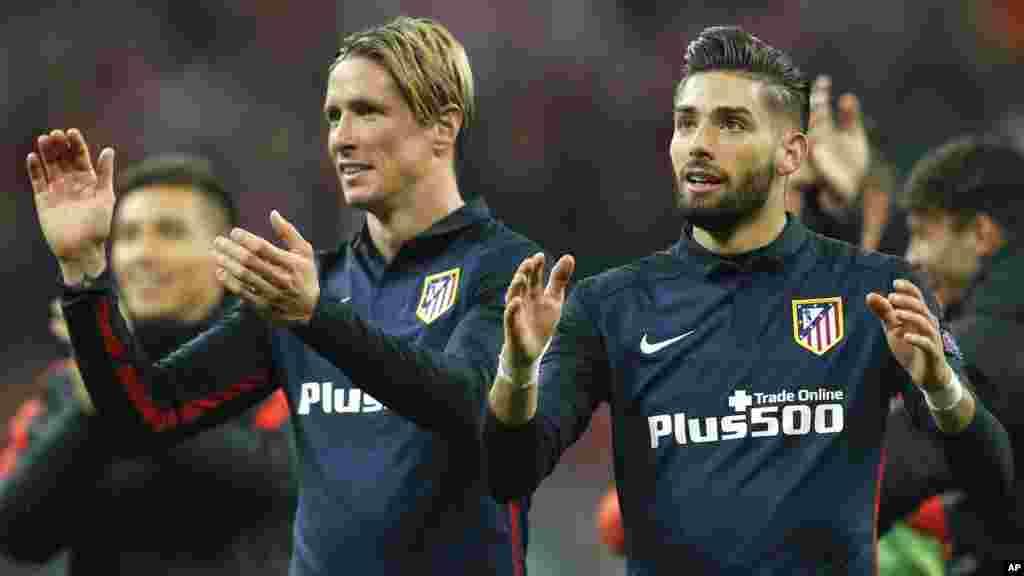 Le FC Barcelone s'est imposé face à l'Espanyol grâce notamment à un doublé de Luis Suarez (5-0). Les Blaugrana conservent la tête de la Liga. Le 8 mai 2016.
