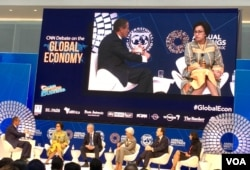 Sri Mulyani dalam live debate CNN di Dana Moneter Internasional IMF, Kamis, 12 Oktober 2017. Debat ini juga diikuti oleh Menteri Keuangan Perancis Bruno Le Maire, Menteri Keuangan Kanada William Morneau dan pengamat ekonomi Gita Gopinath.