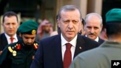 اردوغان هنگام ورود به ریاض - ۲۴ ژانویه ۲۰۱۵