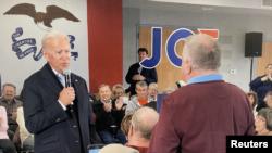 Ish-Nënpresidenti Joe Biden duke u përballur gjatë fushatës elektorale me një banor vendas i cili i drejtoi pyetje për përfshirjen e djalit të tij, Hunter Biden, në Ukrainë