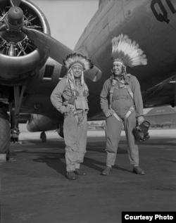 Xoras Pulav va safdoshi, Florida shtati, 1944