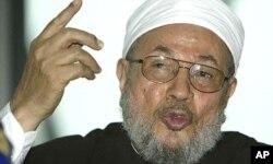 """O sheik Yusuf Qaradawi condenou Kadhafi à morte através de uma """"fatwa""""."""