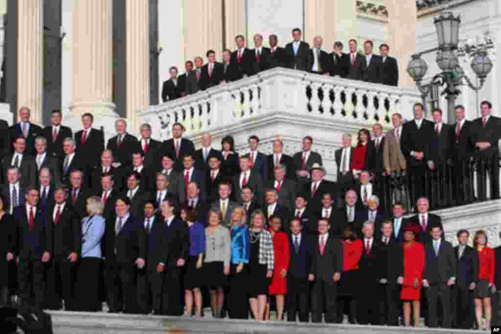 新国会众议员集体照