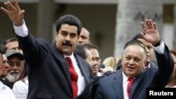 지난 5일 베네수엘라 의회 개원식에 참석한 니콜라스 마두로 부통령(왼쪽)과 디오스다도 카베요 국회의장.